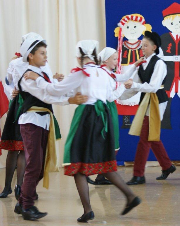 Przegląd Tańców Narodowych w Hartowcu