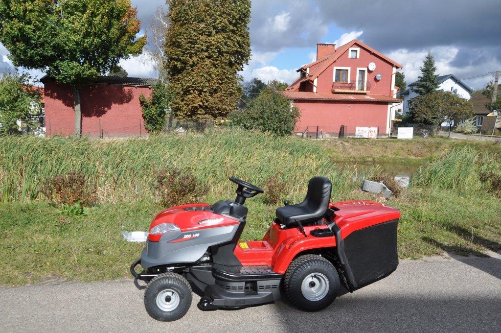 Jeglia: Sołectwo odebrało traktor do koszenia trawy
