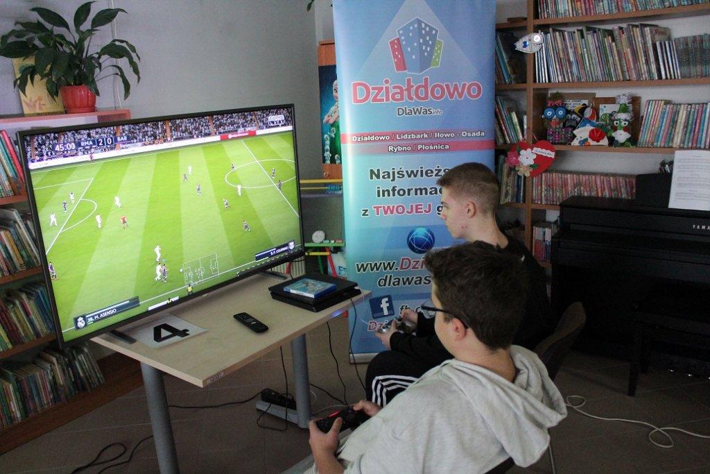 Szymon Piórkowski zwyciężył w I Turnieju FIFA 2019 'Pyszczek i Syla'