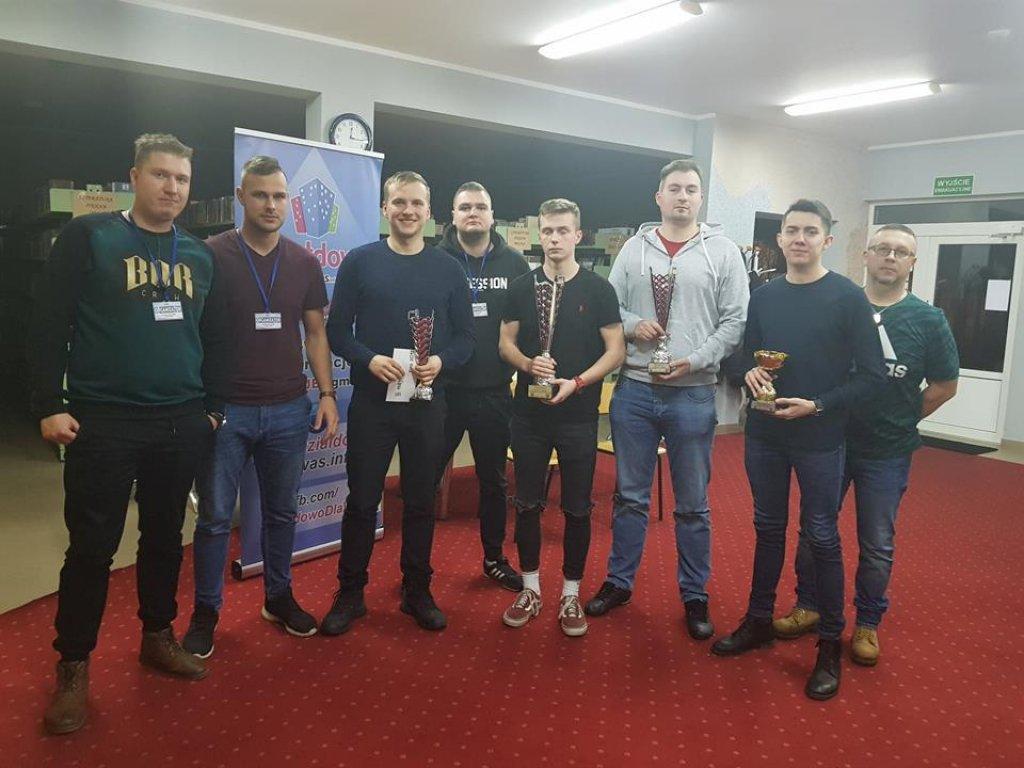 Konrad Zalewski wygrał II Nocny Turniej Fifa 2019