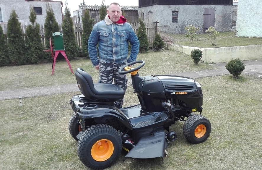 Żabiny: Sołectwo odebrało traktor ogrodowy